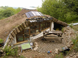 Как сделать дом с земляным этажом
